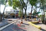 Excelente Ponto Comercial no Alto da XV  Já imaginou ter a sua loja ou escritório em um lindo centro comercial, cultural e gastronômico de Curitiba?! Esta é a sua oportunidade.   Temos várias lojas na galeria do Itupava1299:   Loja  com mezanino e 35,84 m² privativos  R$2034,00 mês   Loja com mezanino e banheiro 55 m² privativos-R$3134,00 mês   Loja  mezanino, banheiro e copa 77,82 m² privativos R$4036,00 mês   Loja com mezanino e banheiro 42 m² privativos ? R$2.210,00 mês   Loja  com mezanino e banheiro 104 m² ? R$5430,00 mês   Loja  com  área total 48 m ² ? R$2749,00 mês  Ela fica no interior da galeria, onde você já encontra: lojas comerciais, escritórios, consultórios e um coworking.  No topo do prédio, o Terraço Verde, um espaço de convivência e agricultura urbana.   Na área externa você encontra a Prainha do Itupava, uma vila gastronômica que conta com 13 bares e restaurantes.  Você é nosso convidado para fazer parte do Itupava1299, um ecossistema de negócios. Gastronomia, negócios e cultura.    Ao lado da linha do trem, no coração do Alto da XV. Portaria 24 horas.  ENTRE EM CONTATO CONOSCO, SAIBA MAIS :41 3090-9600  CRECI:5061-J  ** valor sujeito à alterações sem aviso prévio