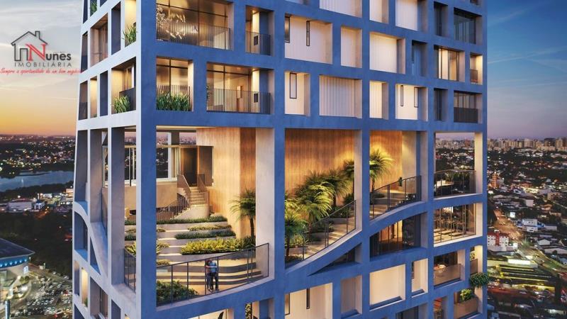 """EXCEPCIONAL APTO / CASA SUSPENSA  COM 3 SUITES NO ECOVILLE  Inspirado nos arranha-céus de Nova York, Londres e Emirados Árabes Unidos, o edifício de alto padrão com 36 andares, com  3 ou 4 suítes para cada apartamento. A arquitetura engloba jardins verticais e layouts flexíveis. As áreas comuns aos moradores são: sauna, espaço gourmet, salão de festas, brinquedoteca, quadra de beach tênis e piscina com vista panorâmica da cidade.  Uma das características do edifício é o conceito das """"Florestas Suspensas"""" - onde muito verde se torna presente em todos os pavimentos do prédio  Um edifício inovador que irá redefinir o que é morar em um Apartamento. Os Apartamentos do AGE 360 contam com plantas excepcionais, com ambientes iluminados, ventilados e com uma vista incrível para a cidade, para o Parque Barigui, entre outros.  APARTAMENTO:   * Esquadrias do piso ao teto,   *  95% das suítes estão posicionadas com insolação face norte.  *Infraestrutura para automação, ar condicionado e aspiração central  * Infraestrutura para toalheiro térmico e desembaçador de espelhos no banheiro da suíte master  * Controle de acesso por biometria touchless e senha em todos os elevadores  * Lavabo  * Quarto de serviço  CONDOMINIO:  * QUADRA DE BEACH TENNIS  * HORTA ORGÂNICA  * WELLNESS KITCHEN  * ANFITEATRO  * SALÃO DE FESTAS  * PLAYGROUND  * KIDS ROOM  * SOLARIUM  * ESPELHO D'ÁGUA  * LOJA  * WELLNESS EXPERIENCE  * CLINIC ROOM  * LIBRARY   HOME SCHOOL  * BEAUTY ROOM  * GUEST ROOM  * CREATIVITY ROOM  * JARDINS SUSPENSOS  * ACADEMIA  * SALA DE FITNESS  * OFURÔ  * SAUNA SECA e UMIDA  * SALA DE MINDFULNESS  * PISCINA INFANTIL  * PISCINA COM RAIA SEMIOLÍMPICA  * JARDINS SUSPENSOS  LIGUE AGORA MESMO, SAIBA MAIS - 3090-9600  ** As imagens são do apto decorado e são ilustrativas. Os móveis não fazem parte da oferta comercial apresentada  *** Valores sujeitos a alteração sem aviso prévio.  CRECI - 5061-J"""