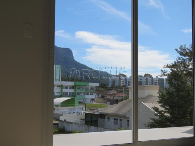 30. *Vista do quarto - www.imoveisroque.com.br