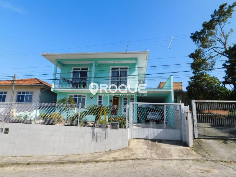 Casa-Codigo-1688-a-Venda-no-bairro-Passa-Vinte-na-cidade-de-Palhoça