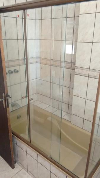 16. Banheiro Suíte