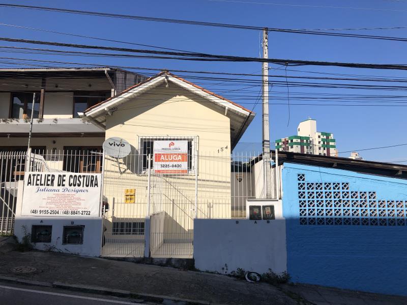 Casa Codigo 1447 para alugar no bairro Centro na cidade de Florianópolis