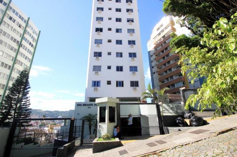 Apartamento Codigo 1454 para alugar no bairro Centro na cidade de Florianópolis