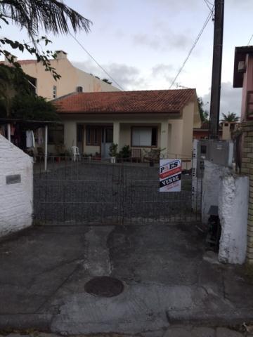 Casa-Codigo-189-a-Venda-no-bairro-Barra-da-Lagoa-na-cidade-de-Florianópolis