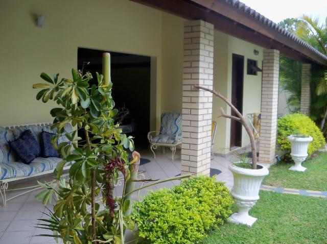 Casa-Codigo-229-a-Venda-no-bairro-Barra-da-Lagoa-na-cidade-de-Florianópolis