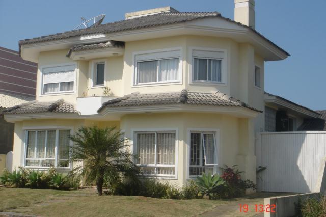 Casa-Codigo-350-a-Venda-no-bairro-Barra-da-Lagoa-na-cidade-de-Florianópolis
