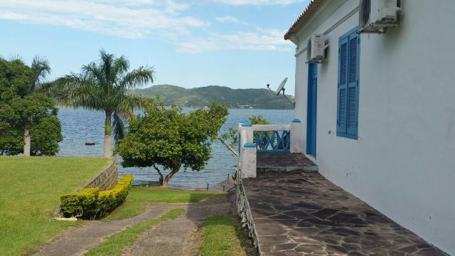 Casa-Codigo-677-para-Alugar-na-temporada-no-bairro-Lagoa-da-Conceição-na-cidade-de-Florianópolis