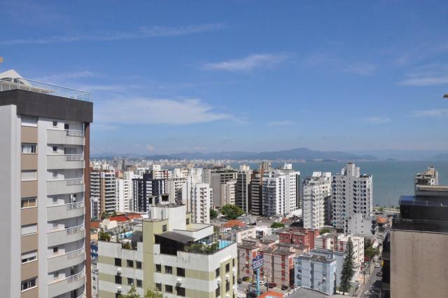 Apartamento-Codigo-678-a-Venda-no-bairro-Centro-na-cidade-de-Florianópolis