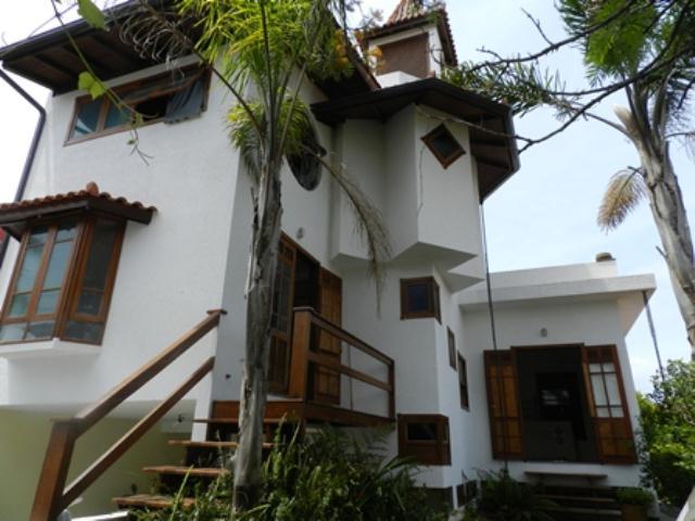 Casa-Codigo-705-a-Venda-no-bairro-Lagoa-da-Conceição-na-cidade-de-Florianópolis