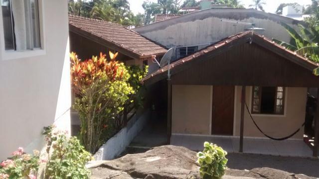 Casa-Codigo-740-a-Venda-no-bairro-Lagoa-da-Conceição-na-cidade-de-Florianópolis