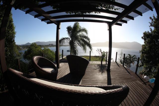 Casa-Codigo-790-a-Venda-no-bairro-Lagoa-da-Conceição-na-cidade-de-Florianópolis