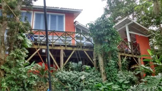 Casa-Codigo-849-a-Venda-no-bairro-Cacupé-na-cidade-de-Florianópolis