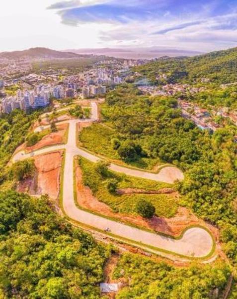 Terreno-Codigo-939-a-Venda-no-bairro-Itacorubi-na-cidade-de-Florianópolis