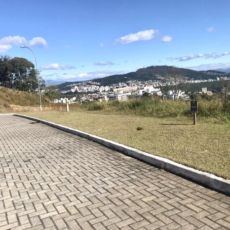 Terreno-Codigo-941-a-Venda-no-bairro-Itacorubi-na-cidade-de-Florianópolis