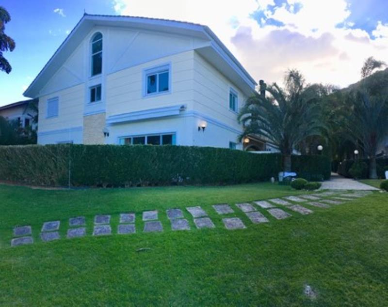Casa-Codigo-1136-a-Venda-no-bairro-Lagoa-da-Conceição-na-cidade-de-Florianópolis