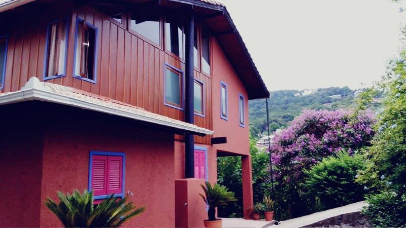 Casa-Codigo-1149-a-Venda-no-bairro-Lagoa-da-Conceição-na-cidade-de-Florianópolis