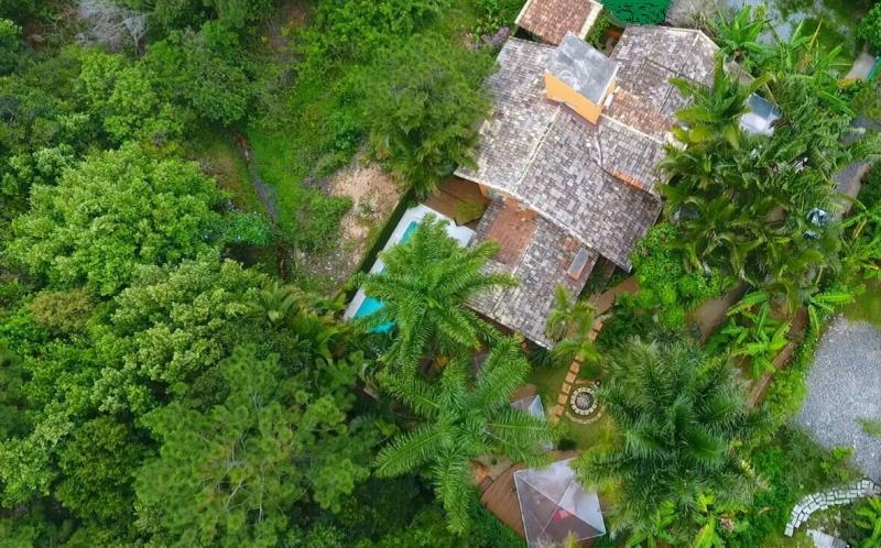 Casa-Codigo-1257-a-Venda-no-bairro-Lagoa-da-Conceição-na-cidade-de-Florianópolis