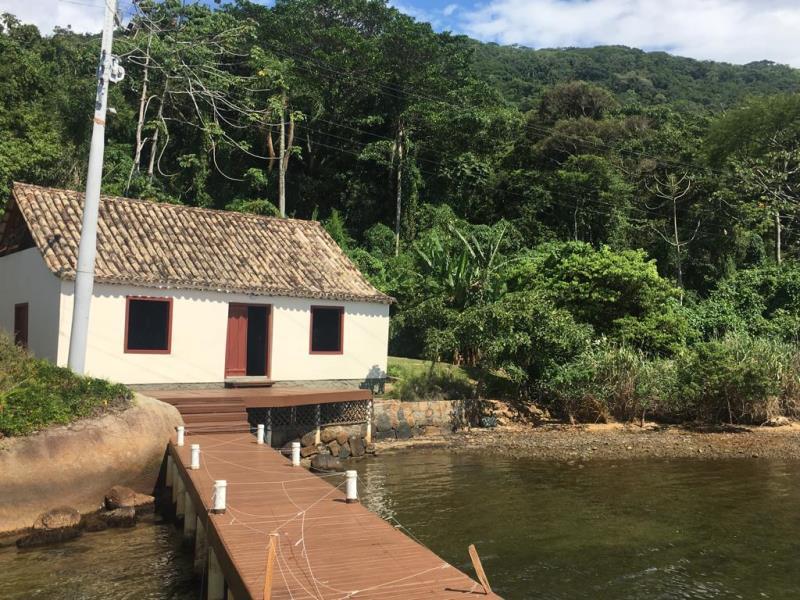 Casa-Codigo-1259-a-Venda-no-bairro-Lagoa-da-Conceição-na-cidade-de-Florianópolis