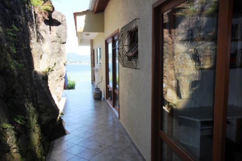 Casa-Codigo-1308-a-Venda-no-bairro-Lagoa-da-Conceição-na-cidade-de-Florianópolis
