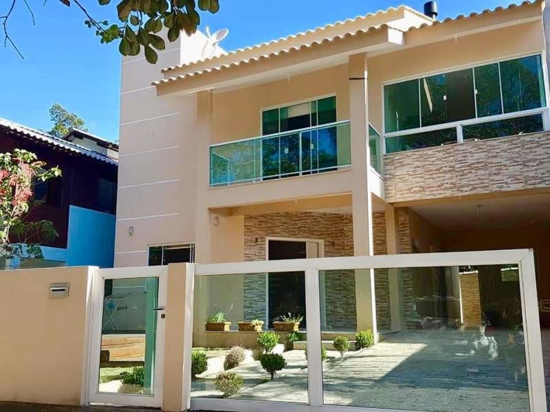 Casa-Codigo-1346-a-Venda-no-bairro-Praia-Mole-na-cidade-de-Florianópolis