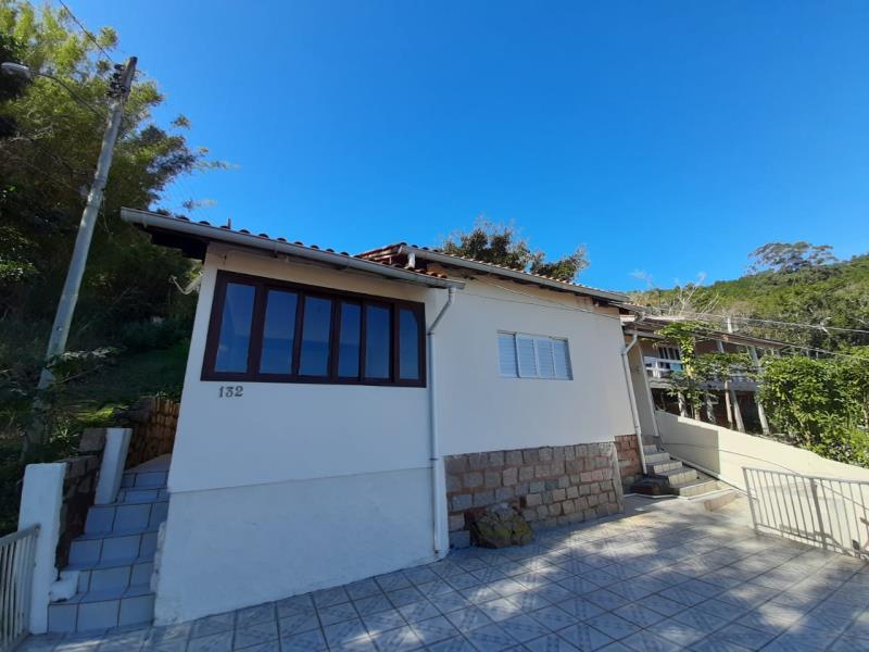 Casa-Codigo-1374-a-Venda-no-bairro-Fortaleza-da-Barra-na-cidade-de-Florianópolis