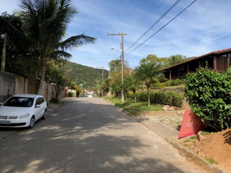 Casa-Codigo-1395-a-Venda-no-bairro-Lagoa-da-Conceição-na-cidade-de-Florianópolis