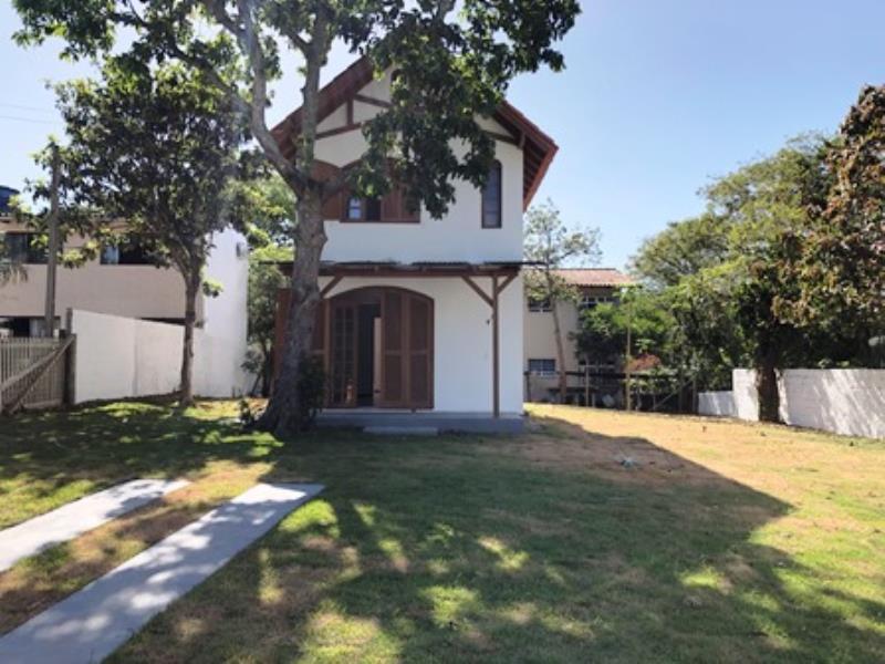 Casa-Codigo-1447-a-Venda-no-bairro-Lagoa-da-Conceição-na-cidade-de-Florianópolis