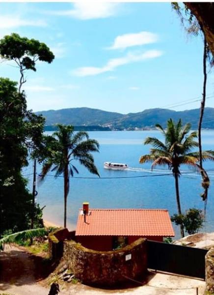 Casa-Codigo-1488-a-Venda-no-bairro-Lagoa-da-Conceição-na-cidade-de-Florianópolis