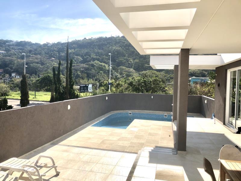 Casa-Codigo-1544-a-Venda-no-bairro-Lagoa-da-Conceição-na-cidade-de-Florianópolis