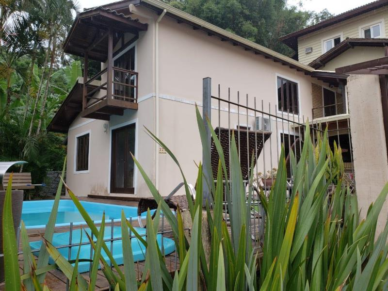 Casa-Codigo-1564-a-Venda-no-bairro-Lagoa-da-Conceição-na-cidade-de-Florianópolis