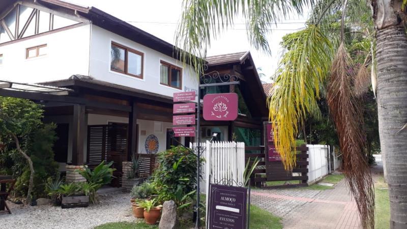 Sala-Codigo-1576-para-alugar-no-bairro-Lagoa-da-Conceição-na-cidade-de-Florianópolis
