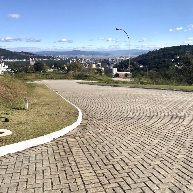 Terreno-Codigo-1580-a-Venda-no-bairro-Itacorubi-na-cidade-de-Florianópolis