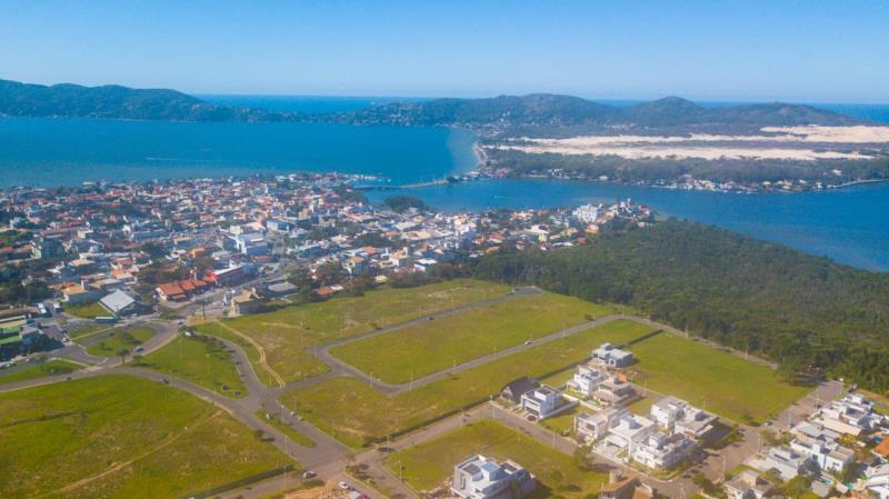 Terreno-Codigo-1599-a-Venda-no-bairro-Lagoa-da-Conceição-na-cidade-de-Florianópolis