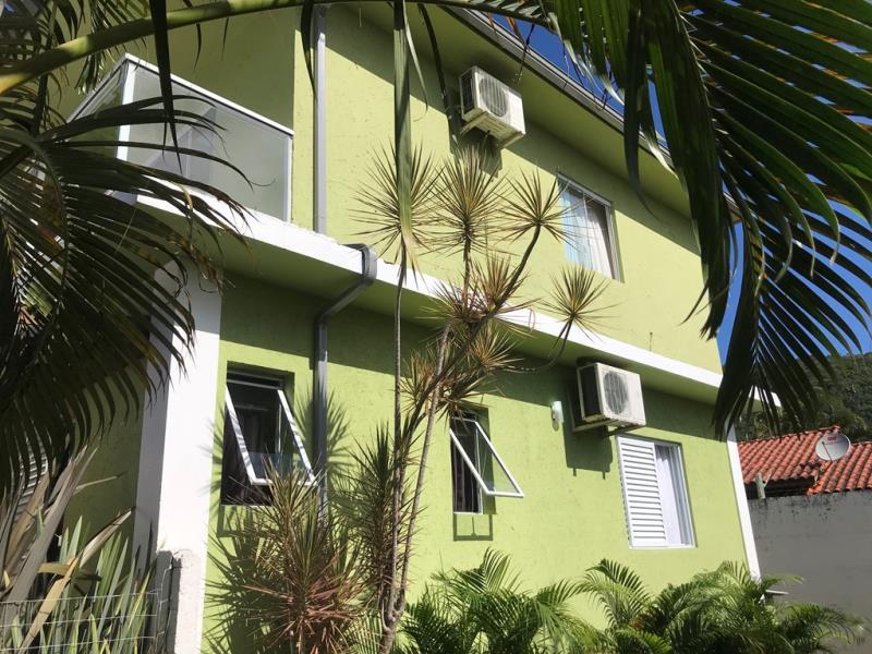 Casa-Codigo-1630-a-Venda-no-bairro-Rio-Tavares-na-cidade-de-Florianópolis
