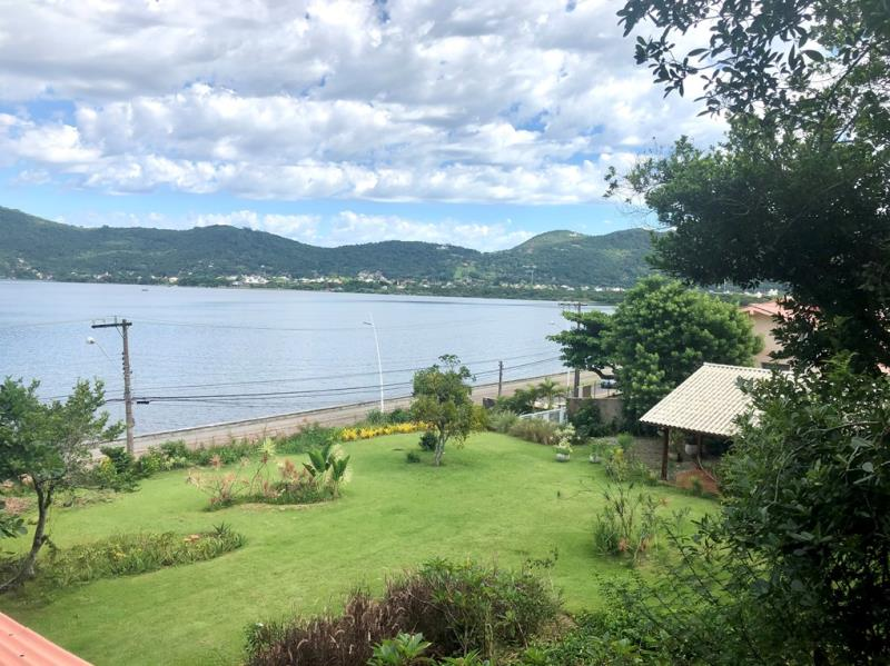 Casa-Codigo-1636-a-Venda-no-bairro-Lagoa-da-Conceição-na-cidade-de-Florianópolis