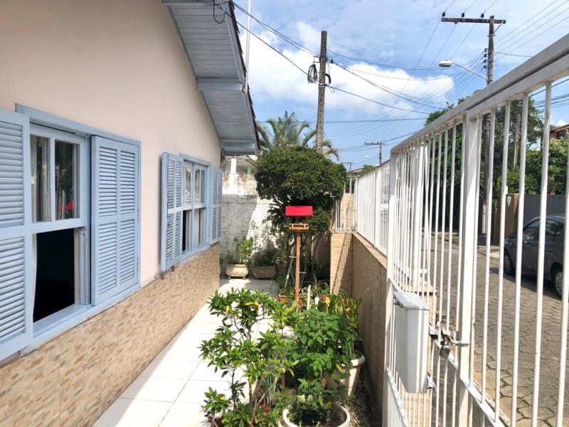 Casa-Codigo-1645-a-Venda-no-bairro-Lagoa-da-Conceição-na-cidade-de-Florianópolis
