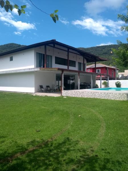 Casa-Codigo-1662-a-Venda-no-bairro-Ribeirão-da-Ilha-na-cidade-de-Florianópolis
