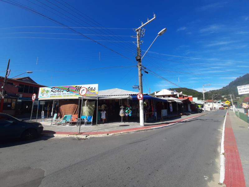 Conjunto-de-Salas-Codigo-1667-a-Venda-no-bairro-Barra-da-Lagoa-na-cidade-de-Florianópolis