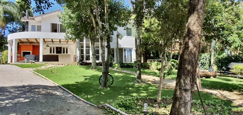Casa-Codigo-1674-a-Venda-no-bairro-Lagoa-da-Conceição-na-cidade-de-Florianópolis