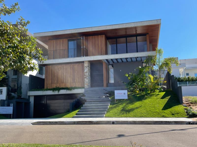Casa-Codigo-1698-a-Venda-no-bairro-Lagoa-da-Conceição-na-cidade-de-Florianópolis