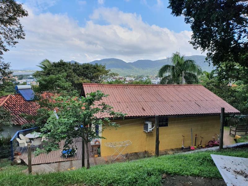 Casa-Codigo-1710-a-Venda-no-bairro-Lagoa-da-Conceição-na-cidade-de-Florianópolis