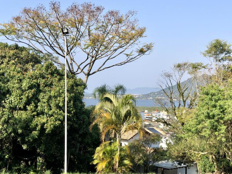 Terreno-Codigo-1719-a-Venda-no-bairro-Lagoa-da-Conceição-na-cidade-de-Florianópolis