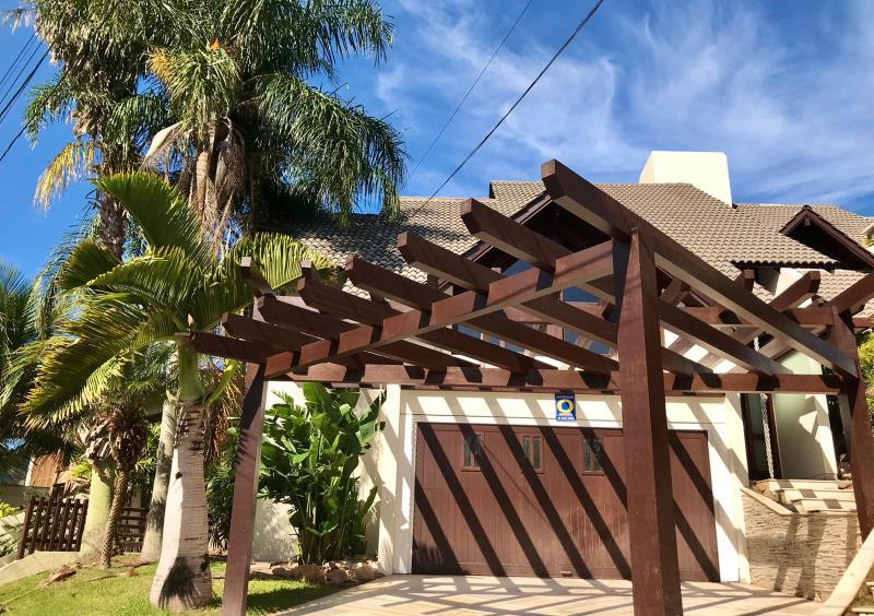 Casa-Codigo-1725-a-Venda-no-bairro-Lagoa-da-Conceição-na-cidade-de-Florianópolis