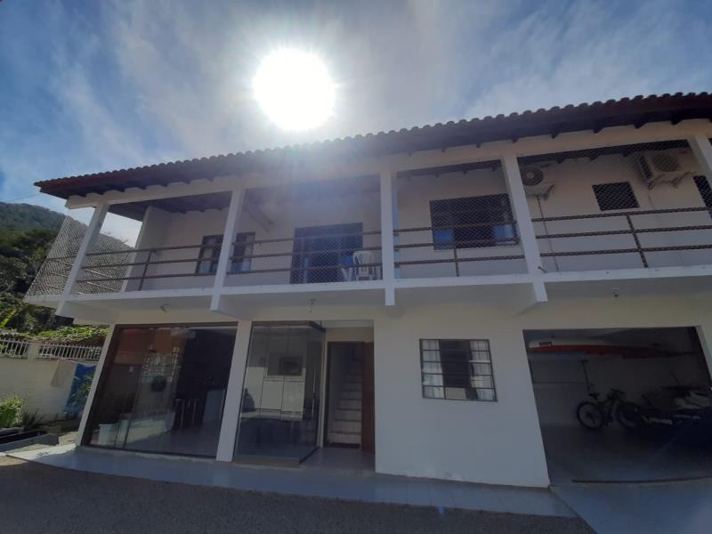 Casa-Codigo-1728-para-alugar-no-bairro-Lagoa-da-Conceição-na-cidade-de-Florianópolis