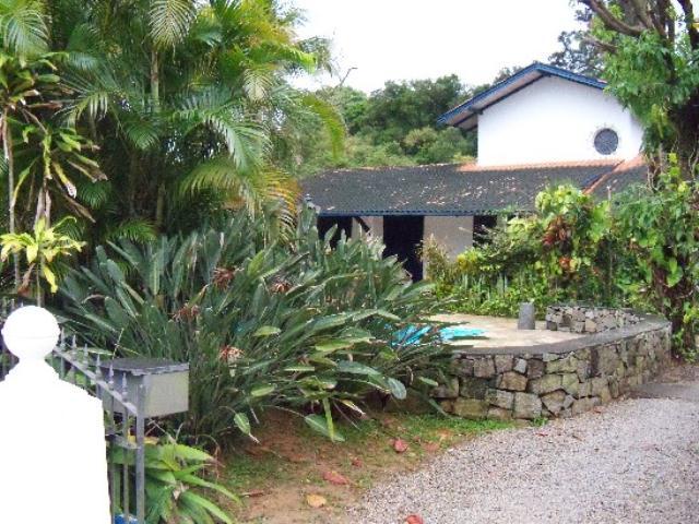 Casa-Codigo-132-a-Venda-no-bairro-Lagoa-da-Conceição-na-cidade-de-Florianópolis