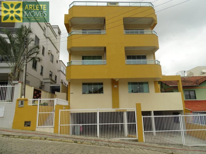 Apartamento Codigo 445 para Temporada no bairro Bombas na cidade de Bombinhas