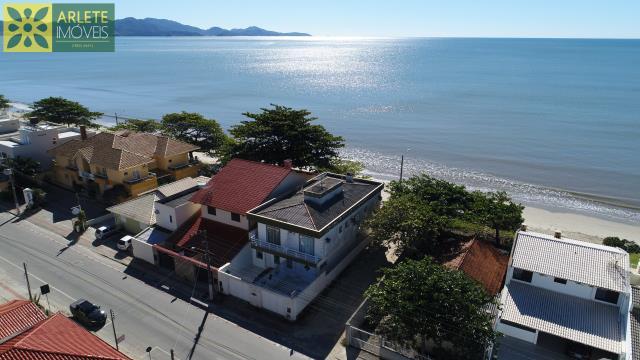 Casa Codigo 215 para Temporada no bairro Perequê na cidade de Porto Belo