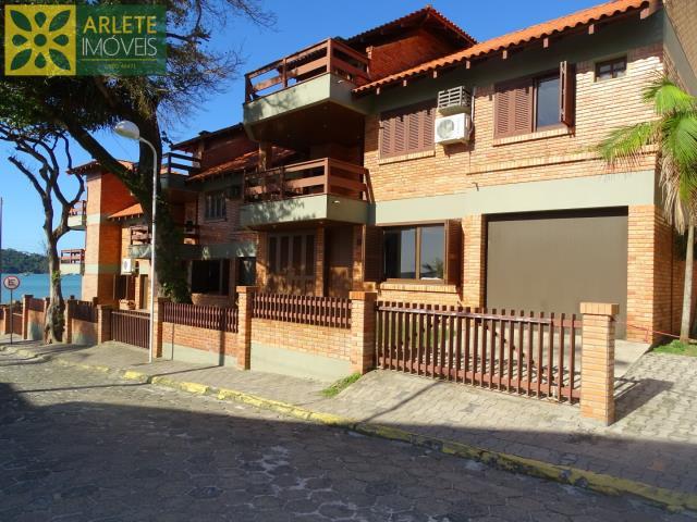 Apartamento Codigo 342 para Temporada no bairro Centro na cidade de Bombinhas