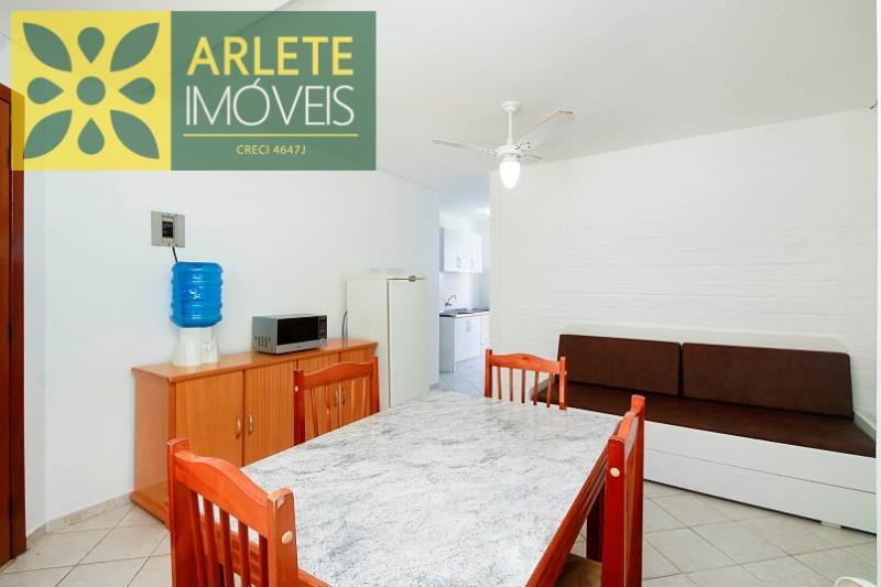 6 - sala cozinha  locação bombinhas