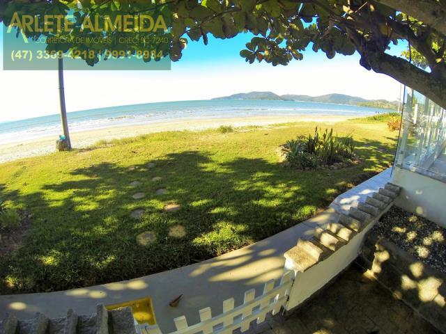 17 - área externa/praia casa locação perequê